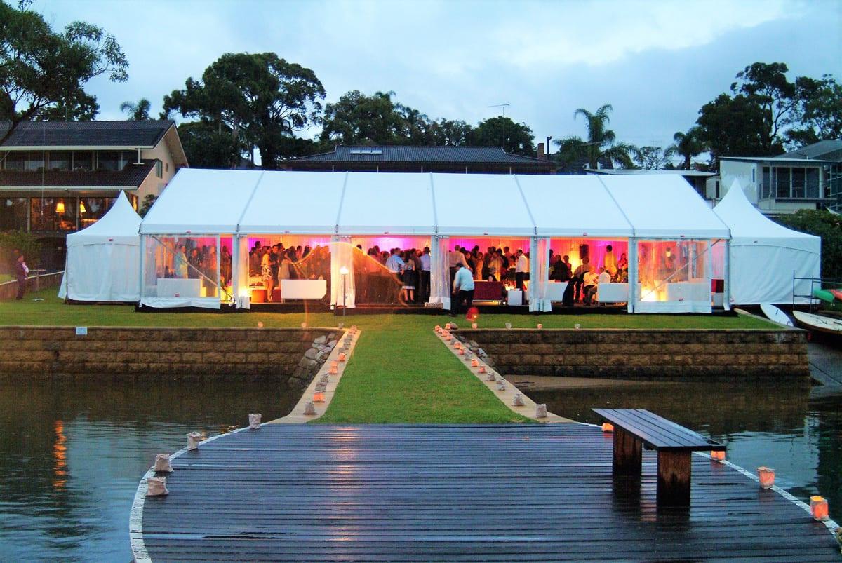 A HÖCKER P Series event marquee being used for a Wedding