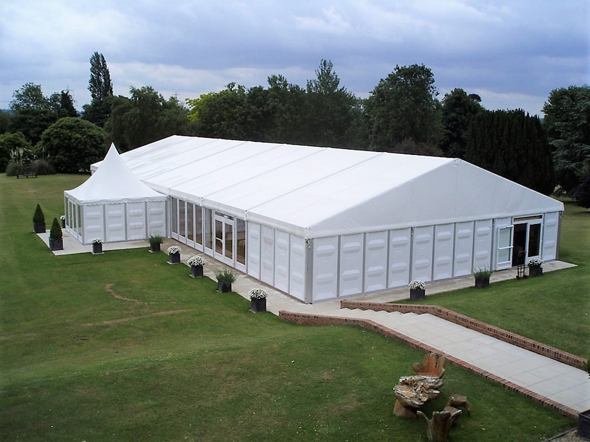 A HÖCKER F-Series large marquee with a high peak roof component