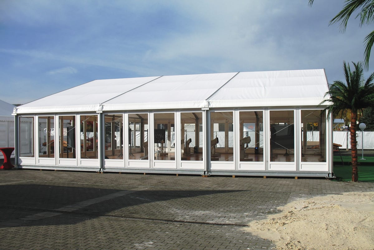 A HÖCKER F-Series large a-frame marquee for event