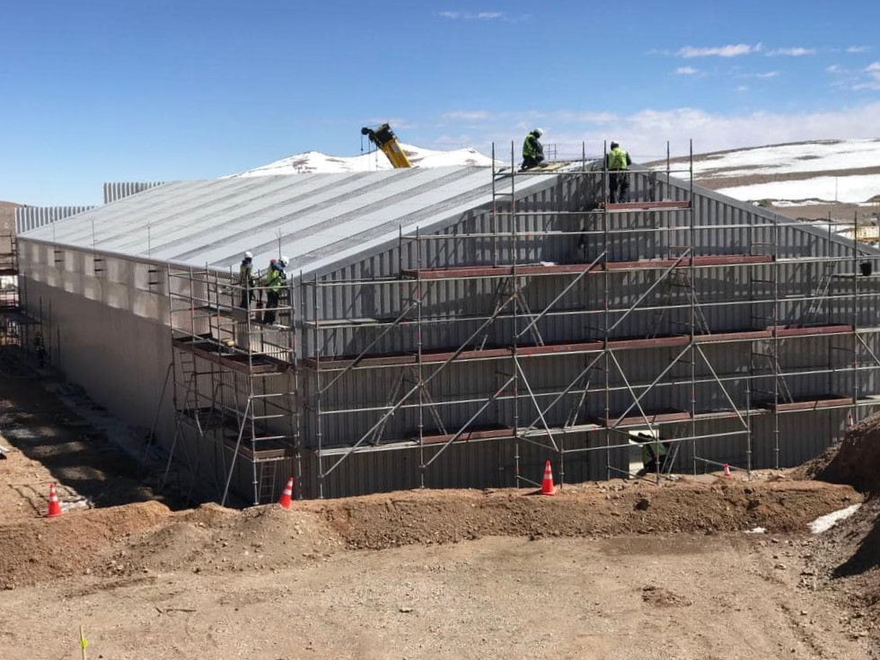 Relocatable mining warehouse